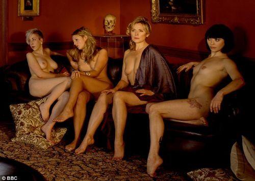 Ким Кэтролл опять обнажается ради искусства