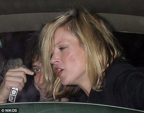 Кейт Мосс втягивает Джейми Хинса в в свой образ жизни