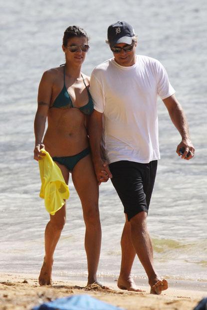 Джордж Клуни и Элизабетта Каналис на Гавайях