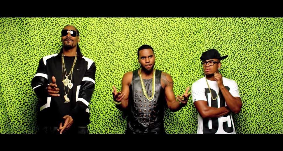 Новый клип Snoop Dogg и Джейсона Деруло - Wiggle