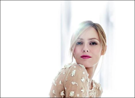 Ванесса Паради для новой рекламы Chanel