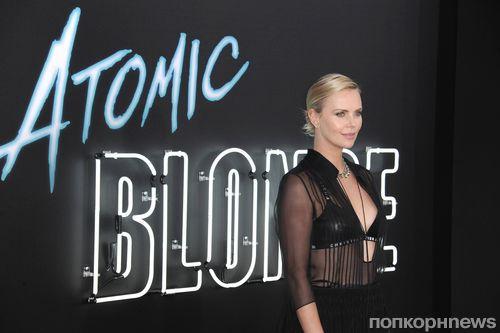 Фото: Шарлиз Терон на премьере «Взрывной блондинки» в Лос-Анджелесе