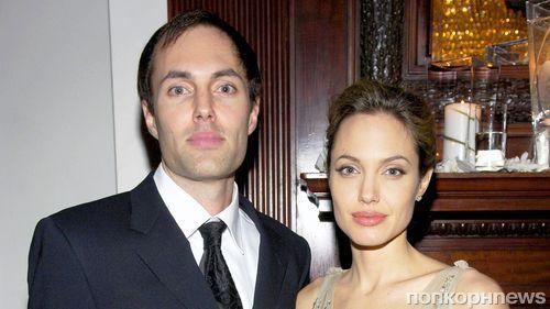 43-летняя Анджелина Джоли сияла накинофестивале встолице Англии