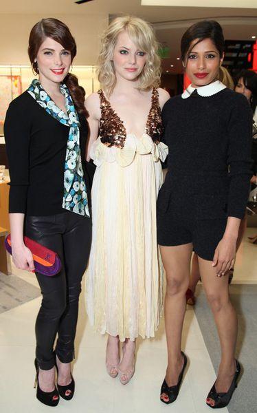 Эмма Стоун, Эшли Грин, Фрида Пинто и Эмма Робертс на вечеринке Louis Vuitton