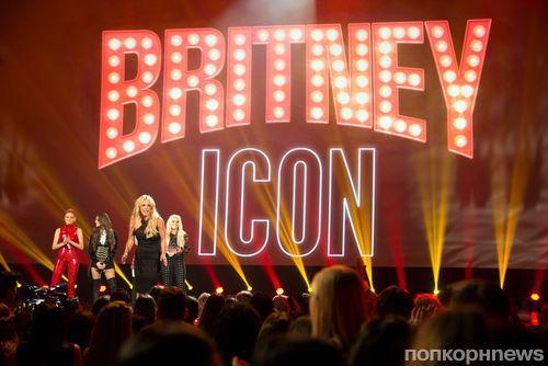 Бритни Спирс, Ник Джонас, Хейли Стайнфелд и другие звезды на церемонии Radio Disney Music Awards 2017