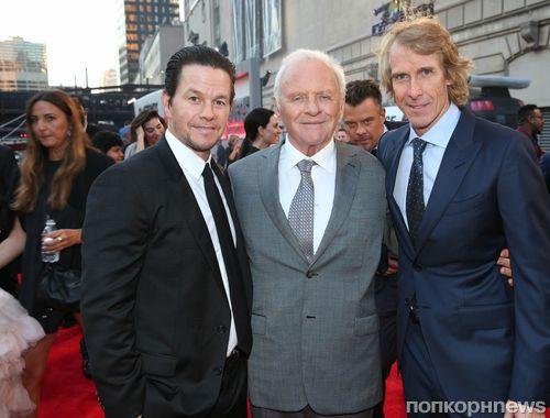 Марк Уолберг, Энтони Хопкинс и другие звезды каста «Трансформеров 5» на премьере в Чикаго
