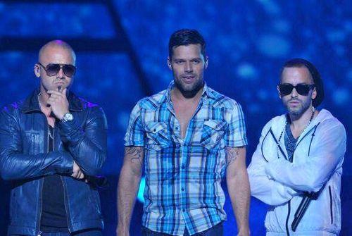 Новый клип Рики Мартина - Frío feat. Wisin & Yandel