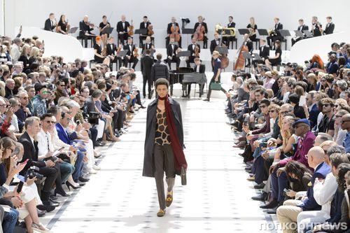 Звезды на модном показе Burberry Menswear в Лондоне