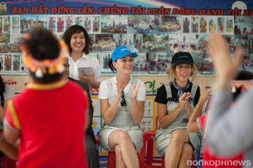 Кэти Перри побывала во Вьетнаме с миссией ЮНИСЕФ