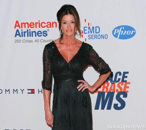 Дженис Дикинсон призналась, что страдает раком молочной железы