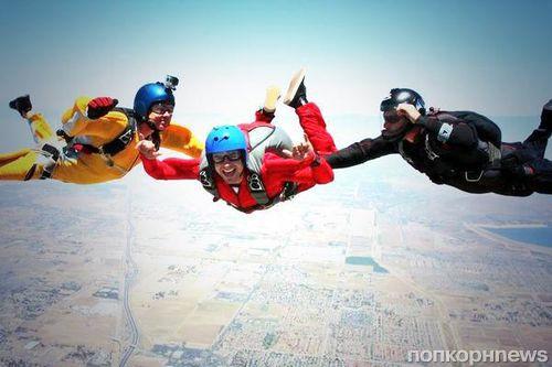 Видео: Первый прыжок Зака Эфрона с парашютом