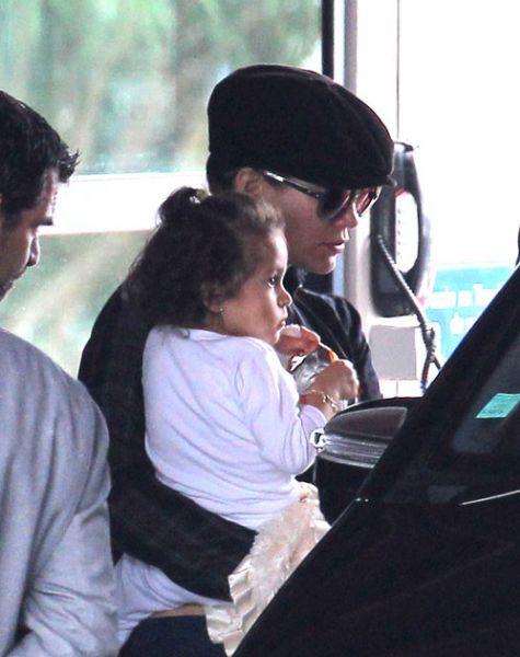 Дженнифер Лопес с детьми в Ницце