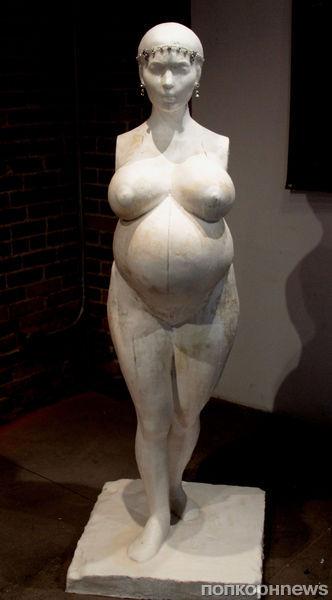 В Лос-Анджелесе выставлена скульптура Ким Кардашян