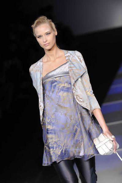 Показ Giorgio Armani Весна / Лето 2012 на Неделе Моды в Милане