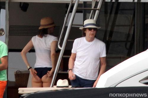 Пол МакКартни на яхте с женой