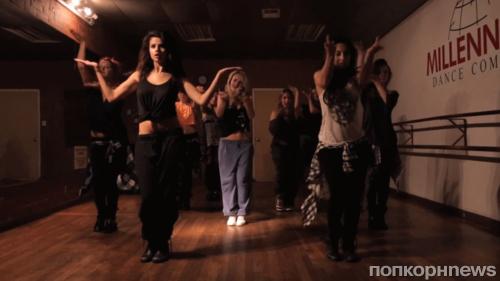 Видео: Селена Гомес и ее подруги на репетиции танца