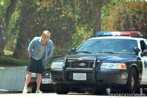 Крис Хемсворт попросил помощи у полиции