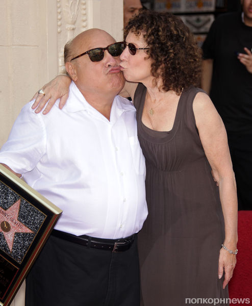 Дэнни ДеВито не спешит расставаться с женой