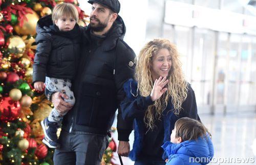 Редкий выход: папарацци сфотографировали Шакиру и Жерара Пике с детьми на фоне слухов об их разрыве