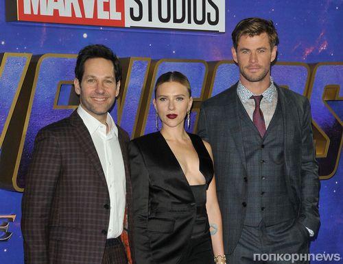 Скарлетт Йоханссон в провокационном декольте и другие звёзды на премьере фильма «Мстители: Финал»