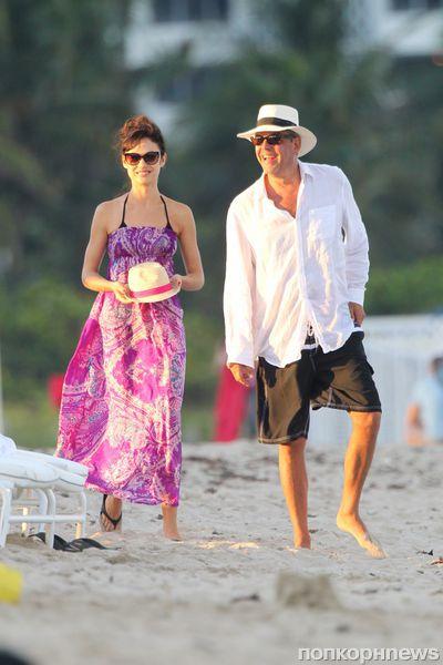 Ольга Куриленко на пляже в Майами