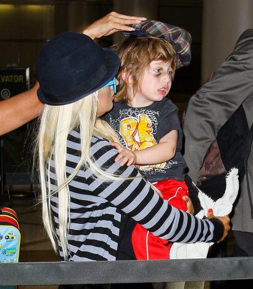 Кристина Агилера с сыном в Лос-Анджелесе
