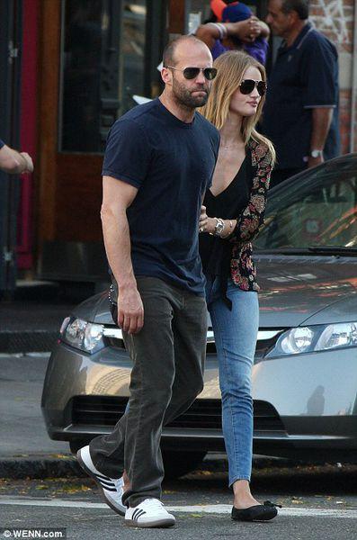 Джейсон Стэтэм провел выходные со своей девушкой