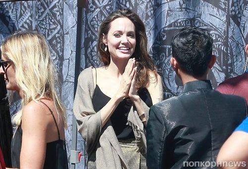 Фото: Анджелина Джоли приехала на фестиваль камбоджийского кино