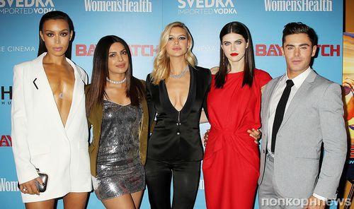 Зак Эфрон, Приянка Чопра, Александра Даддарио и другие звезды на премьере «Спасателей Малибу»