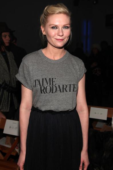 Кирстен Данст на показе Rodarte Осень 2010 на нью-йоркской неделе моды