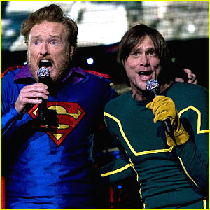 "Конан О`Брайан и Джим Керри поют ""Superman (It's Not Easy)"""