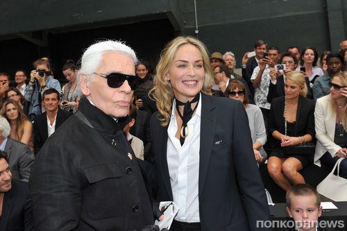 Шэрон Стоун и Карл Лагерфельд на показе Dior Homme в Париже