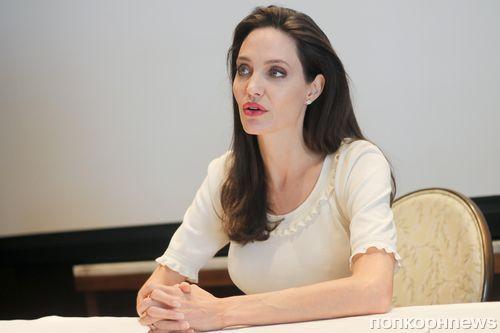 СМИ: Анджелина Джоли находится на грани банкротства