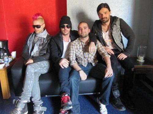 Новый клип группы 30 seconds to mars - Closer To The Edge