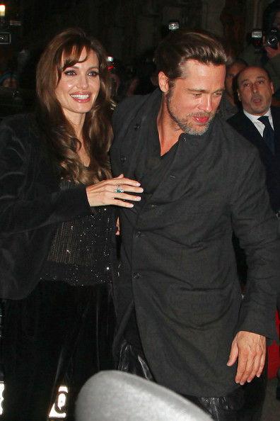 """Брэд Питт и Анджелина Джоли на премьере анимационного фильма """"Мегамозг"""" в Париже"""