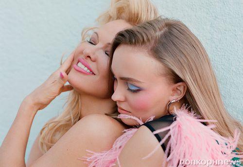 Лили-Роуз Депп снялась в откровенной фотосессии с Памелой Андерсон