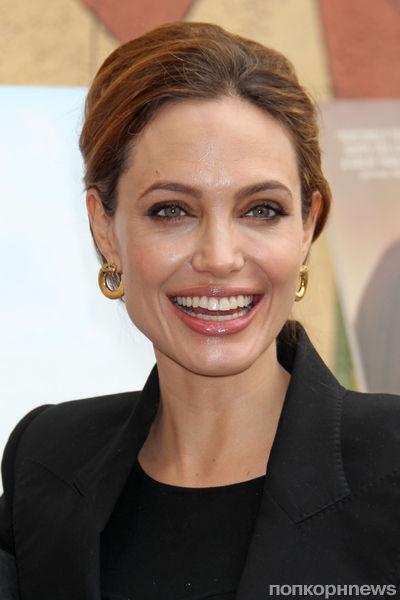 Анджелина Джоли на вечере Foreign-Language Nominee