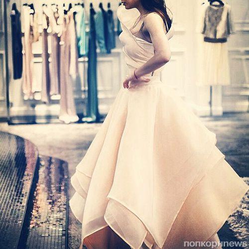 Виктория Дайнеко выбирает свадебное платье