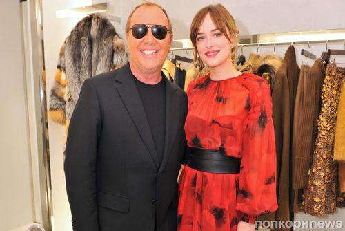 Фото: Дакота Джонсон на открытии бутика Michael Kors в Японии