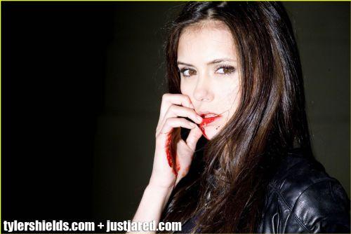 Нина Добрев в новой фотосессии Тайла Шилдса