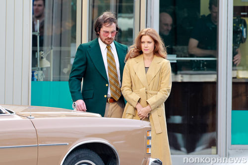 Кристиан Бэйл и Эми Адамс на съемках нового фильма