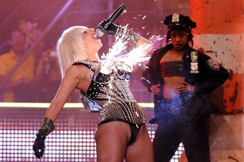 """Lady Gaga сказала, что """"Born This Way"""" будет величайшим альбомом десятилетия"""