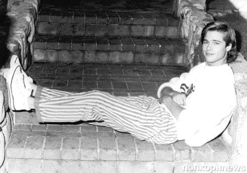 Неопубликованная фотосессия 23-летнего Брэда Питта спустя десятилетия появилась в сети