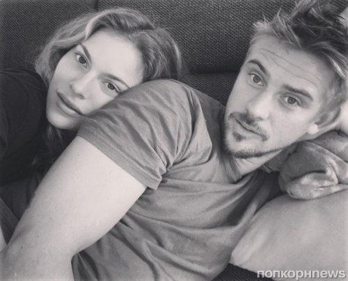 Звезда «Нарко» и «Логана» Бойд Холбрук впервые станет отцом