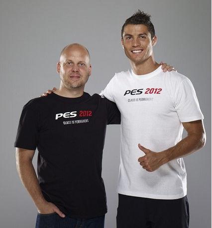 Криштиану Роналду украсил собой обложку игры PES 2012