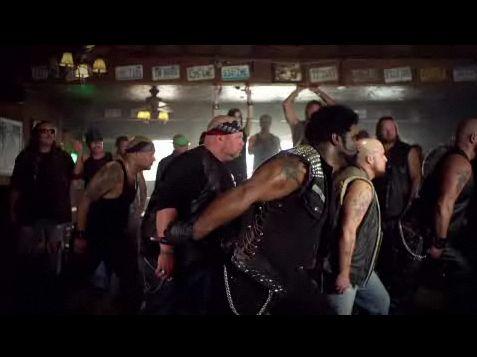 Видео: байкеры танцуют «Baby» Джастина Бибера