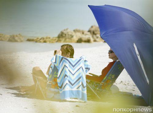 Николь Кидман и Кит Урбан на пляже во Флориде