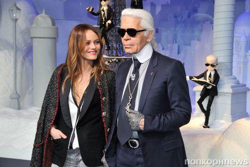 Карл Лагерфельд и Ванесса Паради на открытии витрин Chanel в Париже