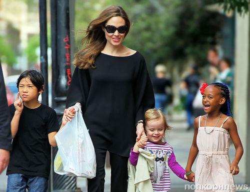 Анджелина Джоли смогла побороть болезненную худобу