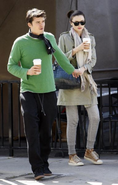 Орландо Блум и Миранда Керр около кафе Hugo. 9 марта